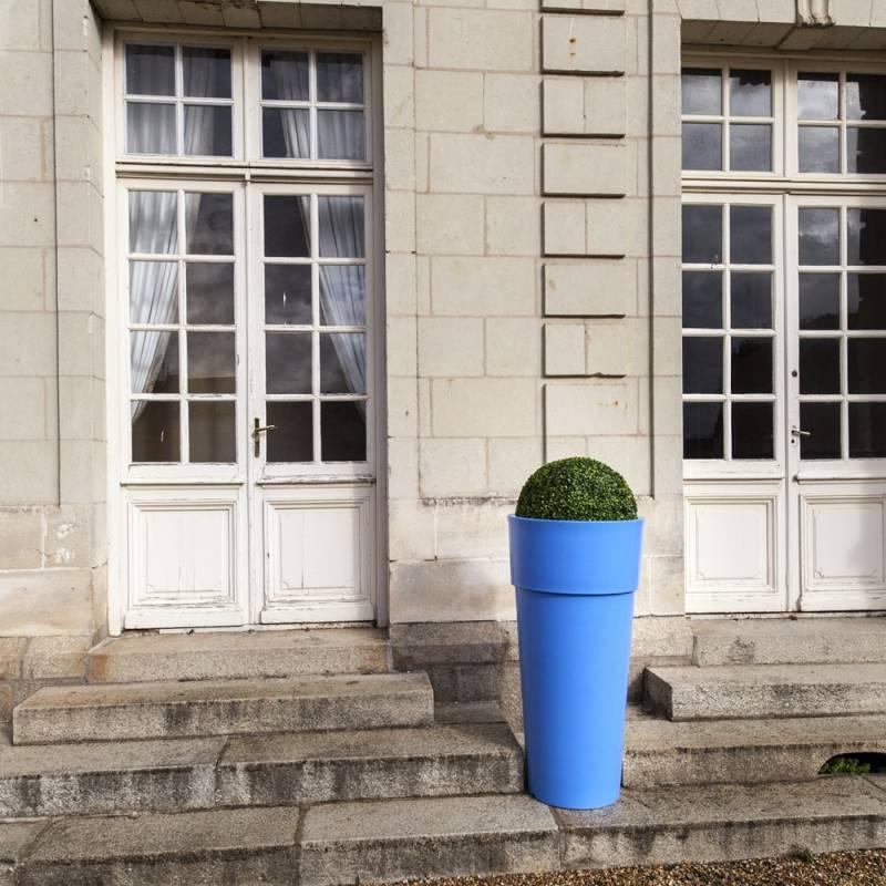 amenagement-prive--pot-de-fleurs-plastique-pila-Les-Serruriers-du-Paysage