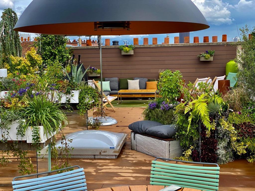 Aménagement paysager d'un toit par Terrasse et Jardin de Paris